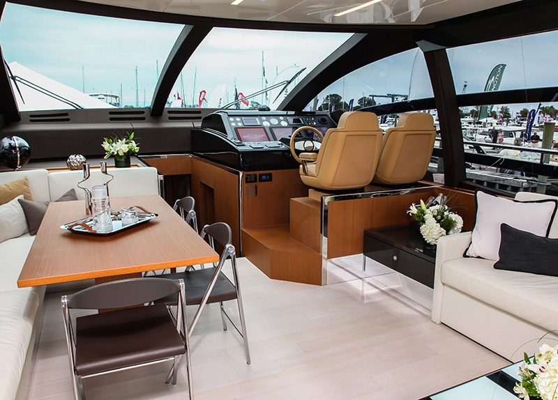 Yachts-interior-leaning